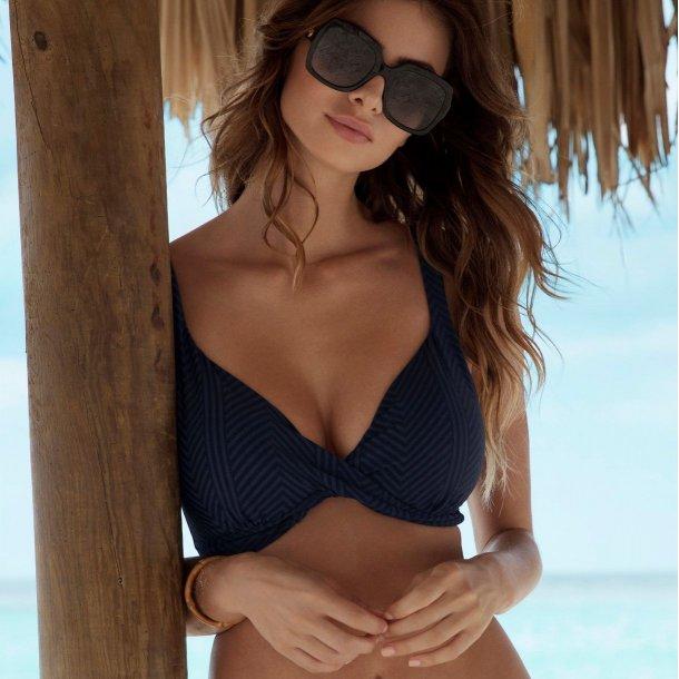 Long Island Ink plunge bikini-top med snoet front